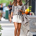 Olivia+Palermo+looks+chic+usu...