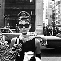 breakfast-at-tiffanys-sunglas...