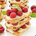 10170067-raspberry-mille-feuille-with-custard-shallow-dof.jpg