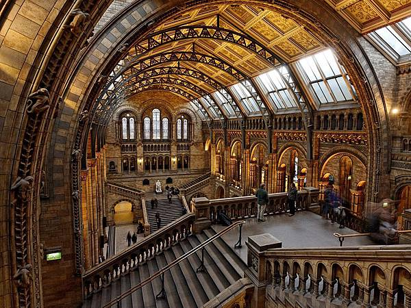 natural-history-museum-london_61644_990x742