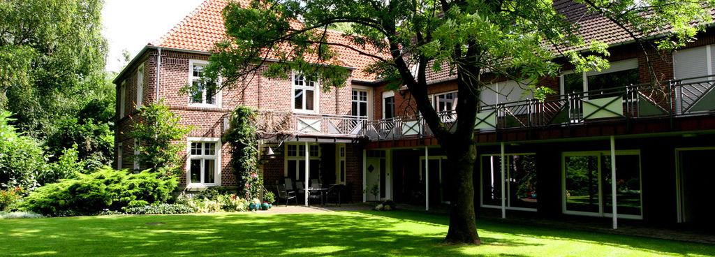 reitschule-hof-schulze-niehues-wohnhaus-1170x420px1.jpg