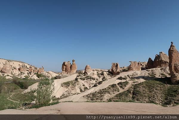 9駱駝岩、蘑菇岩 (1).JPG
