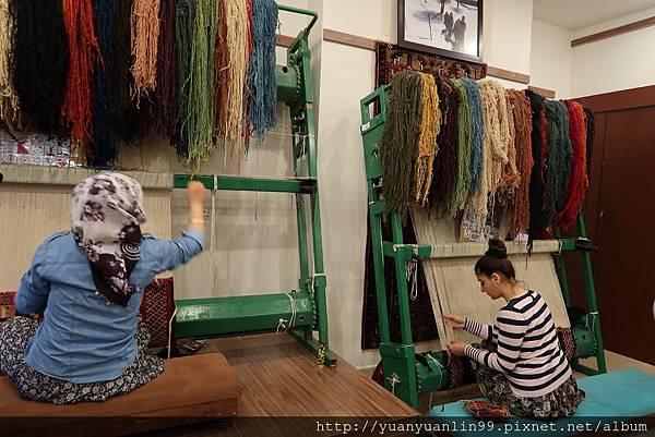10傳統手工地毯工廠 (1).JPG