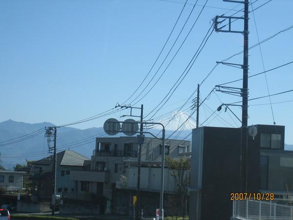 隱隱約約的富士山