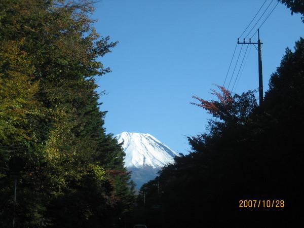 富士山的頭露出來囉~呵