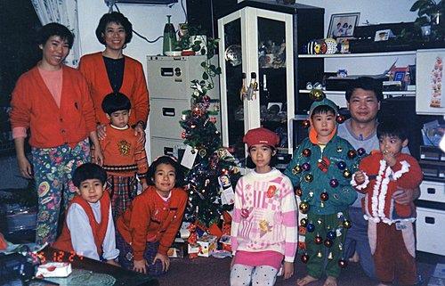 Y_uwYHO7Q3UsSYi052RU0w我家的耶誕晚會