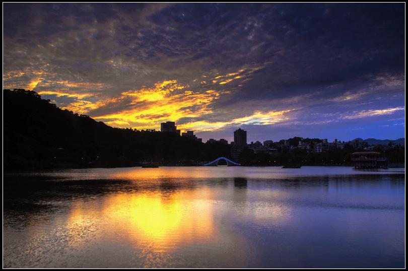 IMG_2075 Q S  秋天大湖