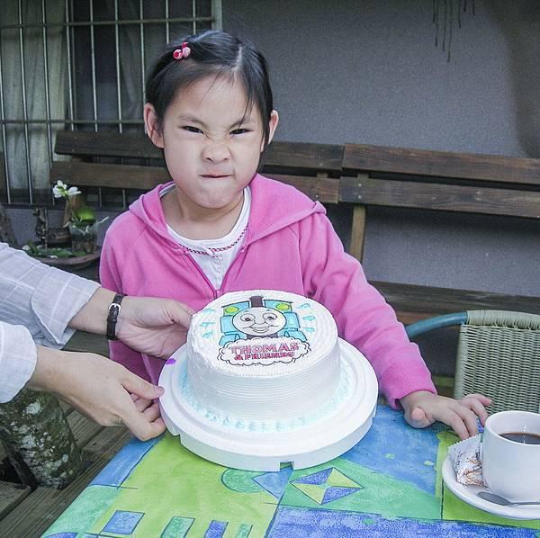DSCN3336  2008.5.4.余果5歲生日