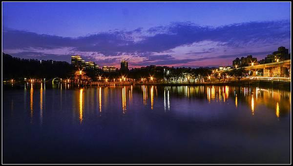 P1810699  大湖之夜   Q S