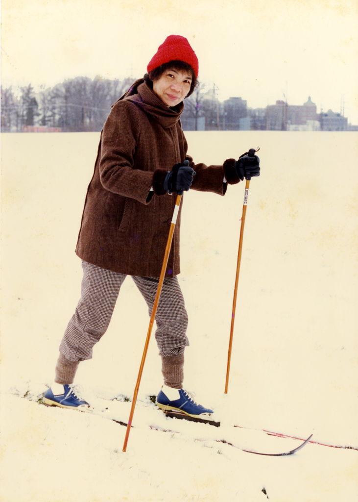 85.12  媽媽在美國滑雪-C
