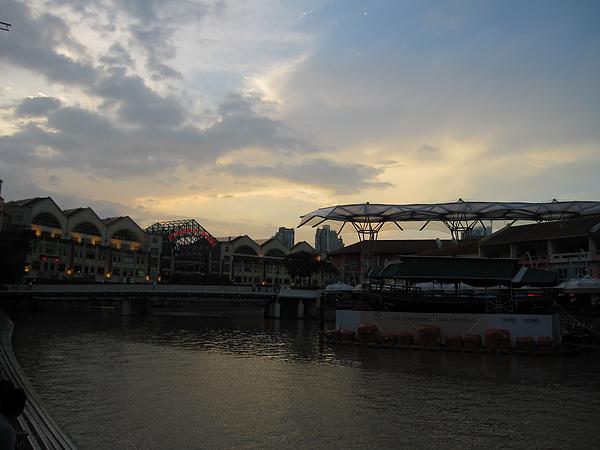 克拉克碼頭的傍晚.JPG