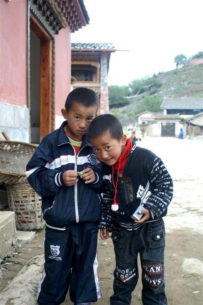 古城內_愛做生意的藏族兩兄弟