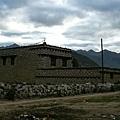 稻城特有的石頭屋