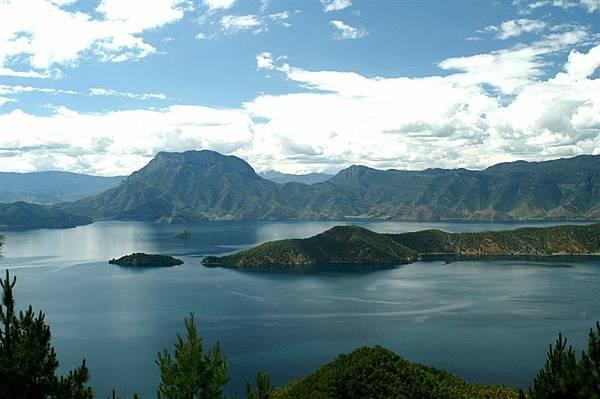 遠眺瀘沽湖1