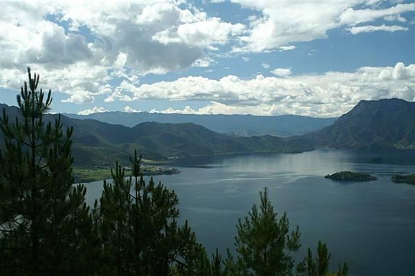 遠眺瀘沽湖4