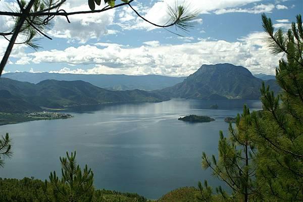 遠眺瀘沽湖5