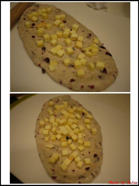 蔓越莓乳酪丁吐司01.jpg