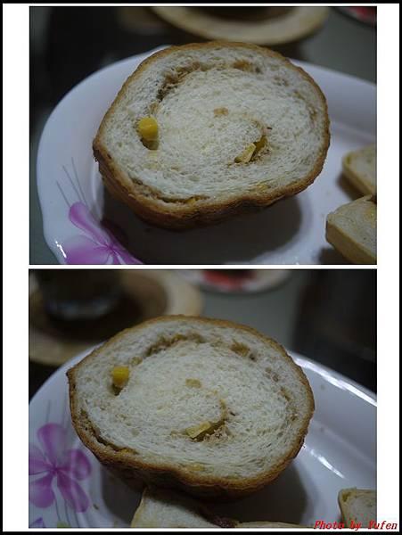 玉米鮪魚圓吐司06.jpg