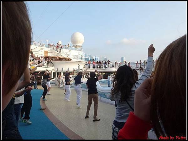 藍寶石公主郵輪day1-8-揚帆派對0013.jpg