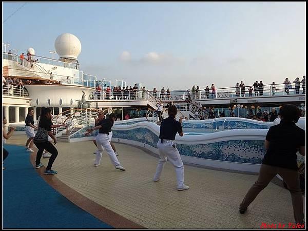 藍寶石公主郵輪day1-8-揚帆派對0014.jpg