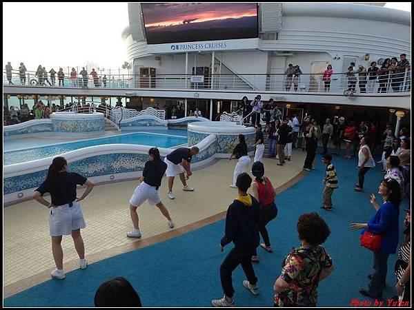 藍寶石公主郵輪day1-8-揚帆派對0016.jpg