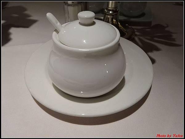 藍寶石公主郵輪day1-10-晚餐0007.jpg