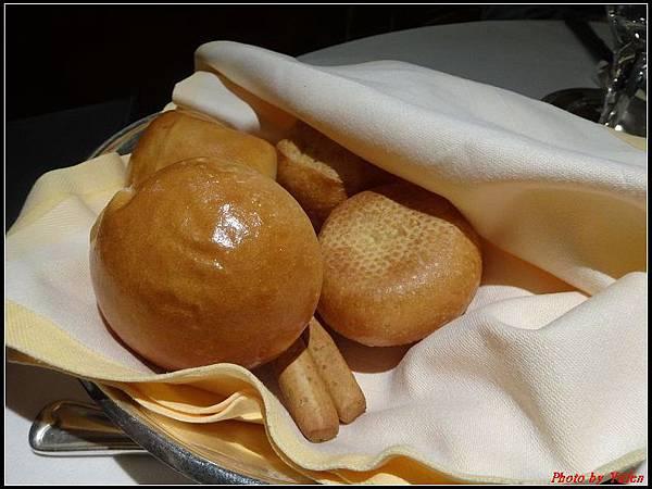 藍寶石公主郵輪day1-10-晚餐0015.jpg