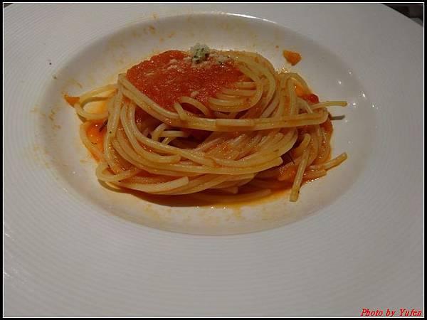 藍寶石公主郵輪day1-10-晚餐0023.jpg