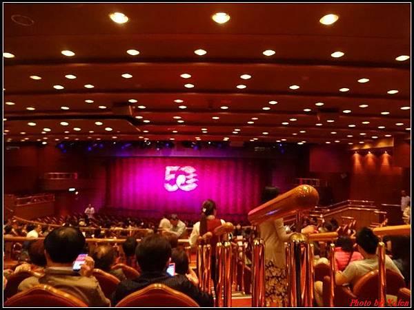 藍寶石公主郵輪day1-11-表演0002.jpg