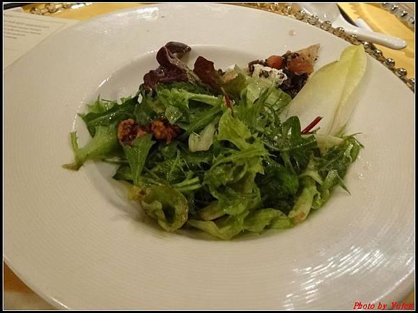 藍寶石公主郵輪day2晚餐0012.jpg