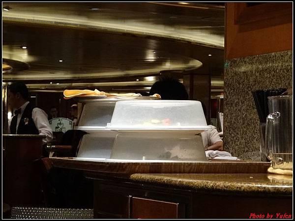 藍寶石公主郵輪day2晚餐0023.jpg