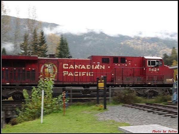 玩美加族-加拿大day2-5最後一根釘紀念碑0019.jpg