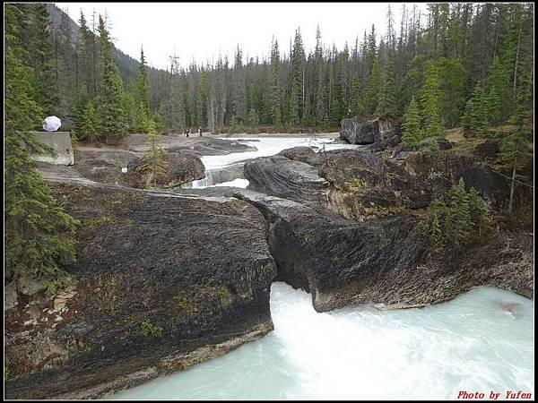 玩美加族-加拿大day4-9天然石橋0007.jpg