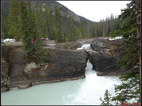 玩美加族-加拿大day4-9天然石橋0009.jpg