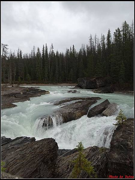 玩美加族-加拿大day4-9天然石橋0026.jpg