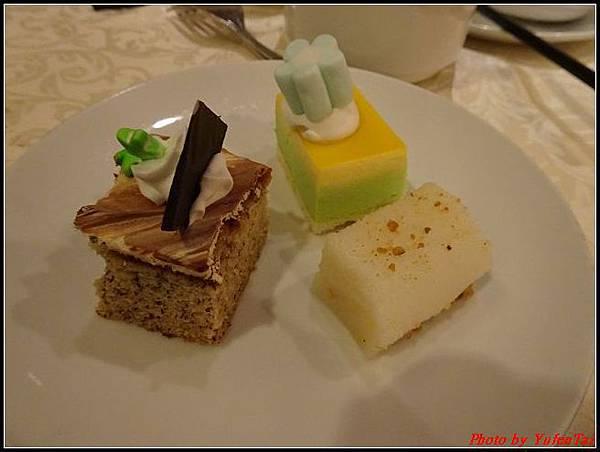 麗星郵輪day1-2晚餐033.jpg