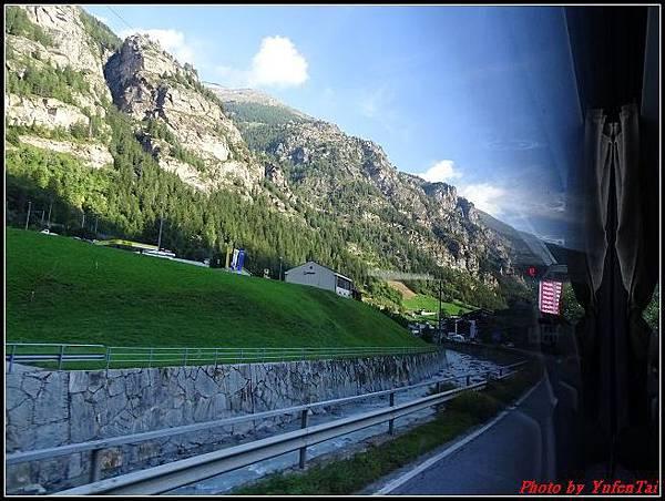 德瑞day6-3洛書堡穿山列車0011.jpg