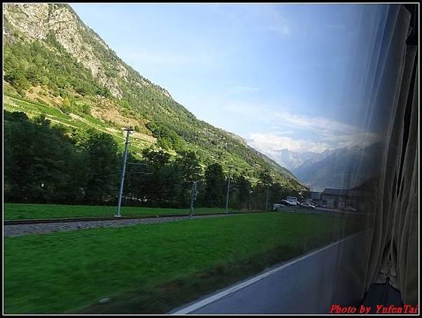 德瑞day6-3洛書堡穿山列車0014.jpg