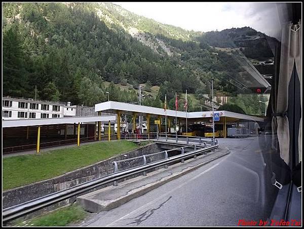 德瑞day6-3洛書堡穿山列車0034.jpg