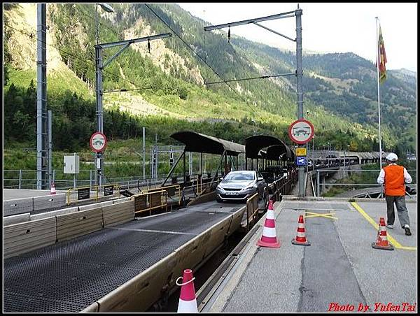 德瑞day6-3洛書堡穿山列車0065.jpg