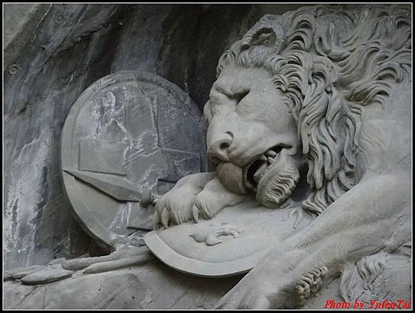 德瑞day8-3獅子紀念碑0016.jpg