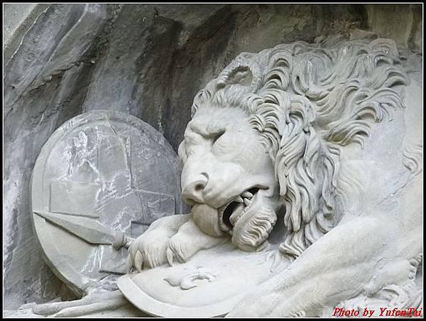 德瑞day8-3獅子紀念碑0017.jpg