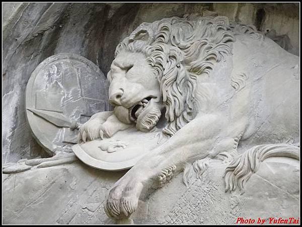 德瑞day8-3獅子紀念碑0018.jpg