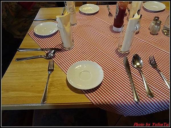 德瑞DAY9-4午餐0003.jpg