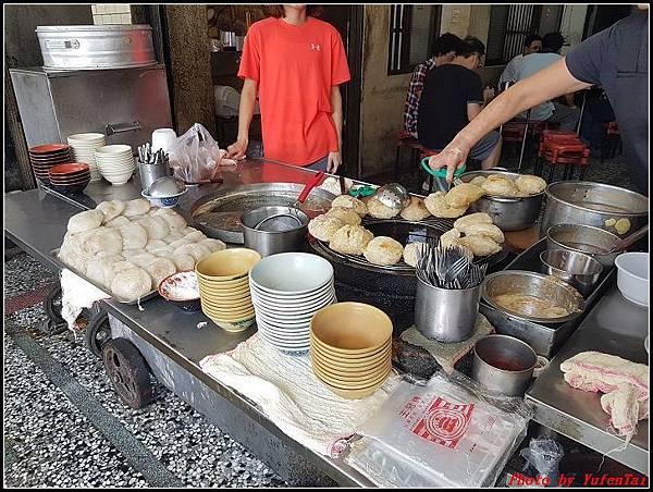 不二家蛋黃酥+北門口肉圓+杉行碗粿+北平香酥蔥餅+中央養生冰006.jpg