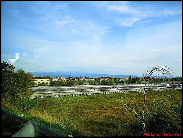 義大利day3-2 高速列車銀箭號+船000005.jpg