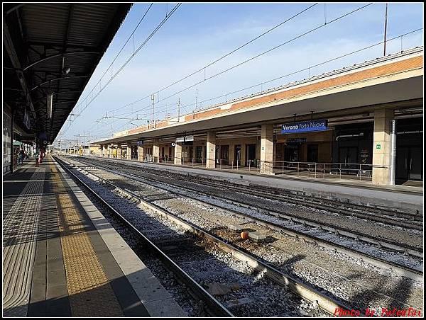 義大利day3-2 高速列車銀箭號+船000021.jpg