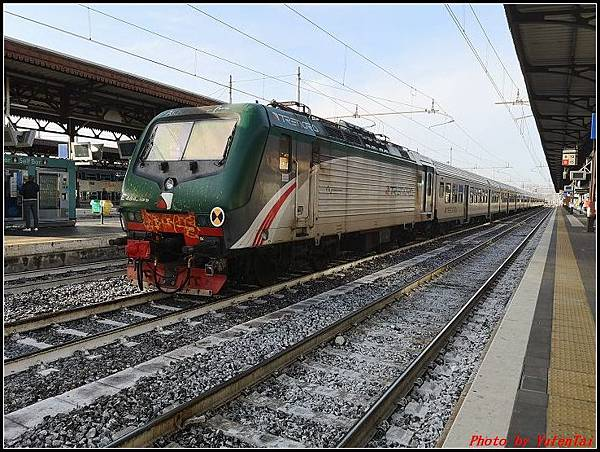 義大利day3-2 高速列車銀箭號+船000019.jpg