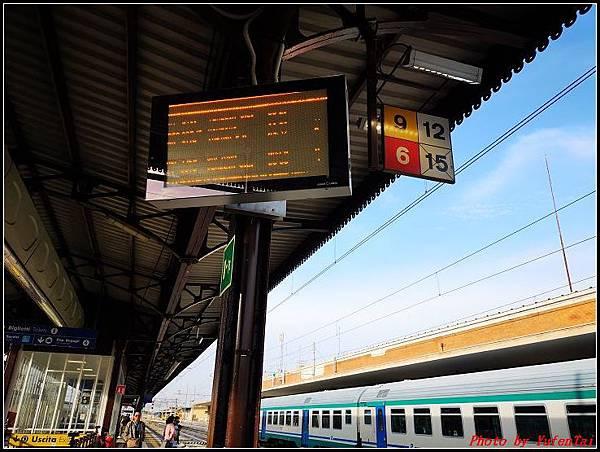 義大利day3-2 高速列車銀箭號+船000022.jpg
