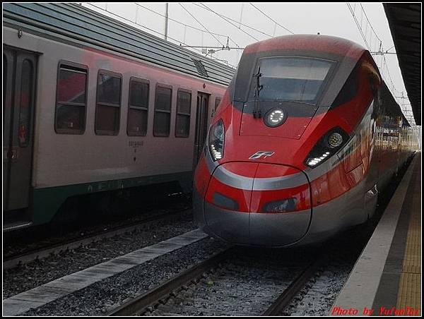 義大利day3-2 高速列車銀箭號+船000025.jpg
